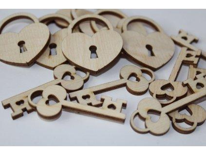 Drevená dekorácia zámok s kľúčom