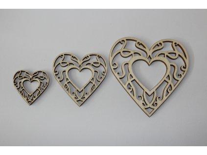 Drevená dekorácia srdce s výrezom